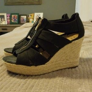 Women's zipper wedge